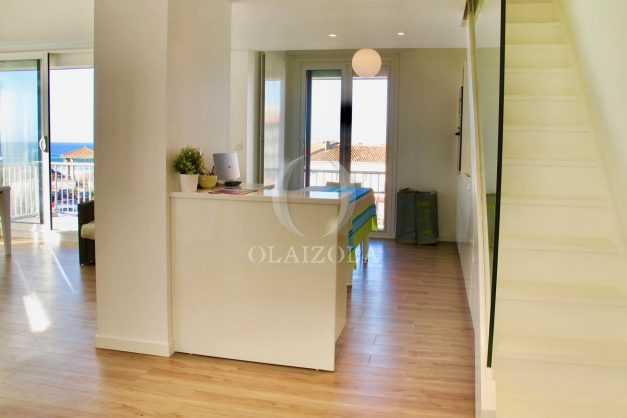 location-vacances-anglet-appartement-luxe-vue-mer-chambre-d-amour-terrasse-parking-standing-plage-a-pied-011