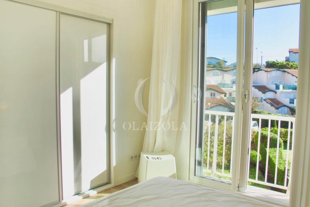 location-vacances-anglet-appartement-luxe-vue-mer-chambre-d-amour-terrasse-parking-standing-plage-a-pied-014