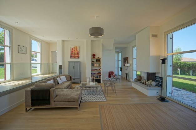location-vacances-biarritz-ahetze-villa-luxe-piscine-chauffée-4-chambres-terrasse-couverte-jardin-28
