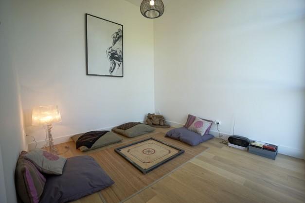 location-vacances-biarritz-ahetze-villa-luxe-piscine-chauffée-4-chambres-terrasse-couverte-jardin-37