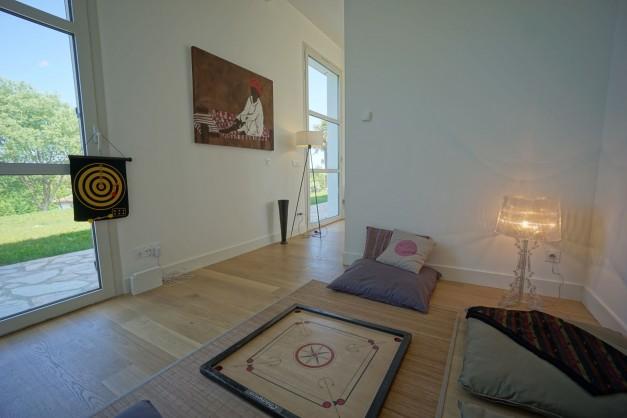 location-vacances-biarritz-ahetze-villa-luxe-piscine-chauffée-4-chambres-terrasse-couverte-jardin-38