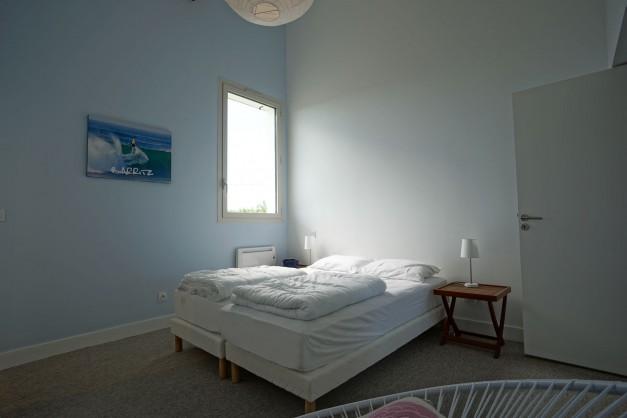 location-vacances-biarritz-ahetze-villa-luxe-piscine-chauffée-4-chambres-terrasse-couverte-jardin-50