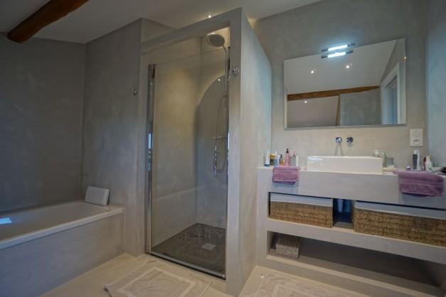 location-vacances-biarritz-ahetze-villa-luxe-piscine-chauffée-4-chambres-terrasse-couverte-jardin-55