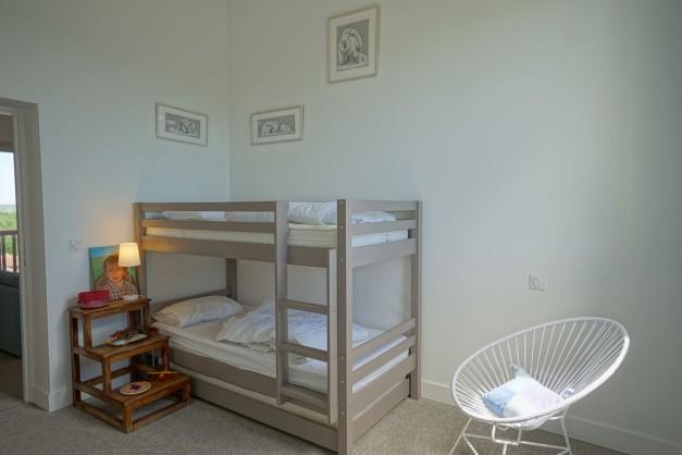 location-vacances-biarritz-ahetze-villa-luxe-piscine-chauffée-4-chambres-terrasse-couverte-jardin-58