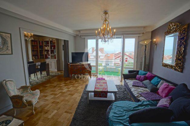 location-vacances-biarritz-appartement-vue-mer-terrasse-parking-2-chambres-centre-ville-plage-a-pied-006