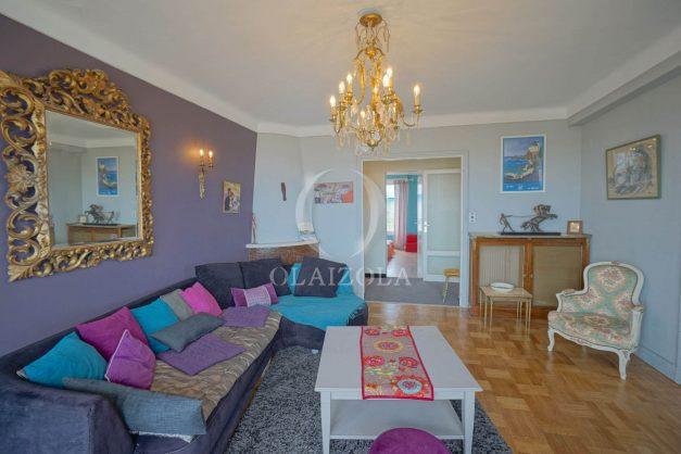 location-vacances-biarritz-appartement-vue-mer-terrasse-parking-2-chambres-centre-ville-plage-a-pied-009
