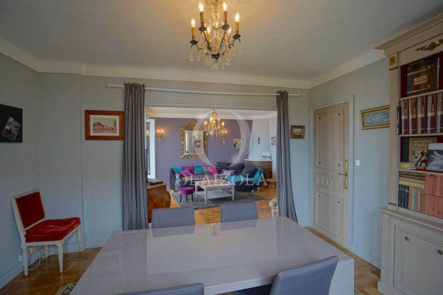 location-vacances-biarritz-appartement-vue-mer-terrasse-parking-2-chambres-centre-ville-plage-a-pied-010