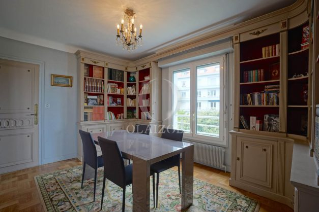 location-vacances-biarritz-appartement-vue-mer-terrasse-parking-2-chambres-centre-ville-plage-a-pied-012