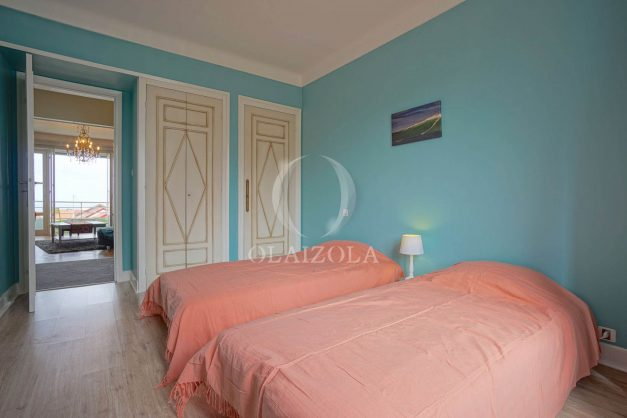 location-vacances-biarritz-appartement-vue-mer-terrasse-parking-2-chambres-centre-ville-plage-a-pied-019