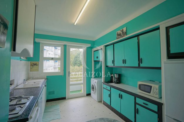 location-vacances-biarritz-appartement-vue-mer-terrasse-parking-2-chambres-centre-ville-plage-a-pied-023
