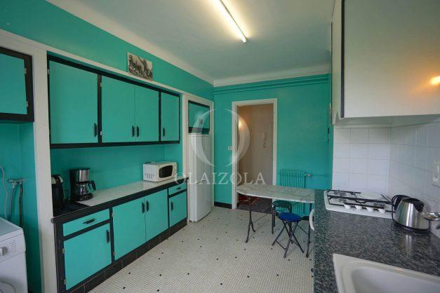 location-vacances-biarritz-appartement-vue-mer-terrasse-parking-2-chambres-centre-ville-plage-a-pied-025