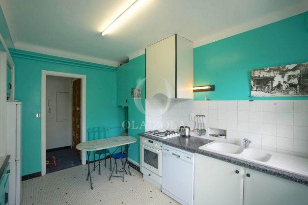 location-vacances-biarritz-appartement-vue-mer-terrasse-parking-2-chambres-centre-ville-plage-a-pied-026