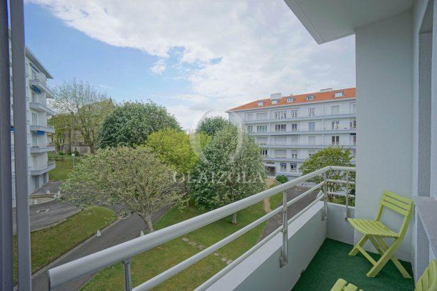 location-vacances-biarritz-appartement-vue-mer-terrasse-parking-2-chambres-centre-ville-plage-a-pied-027