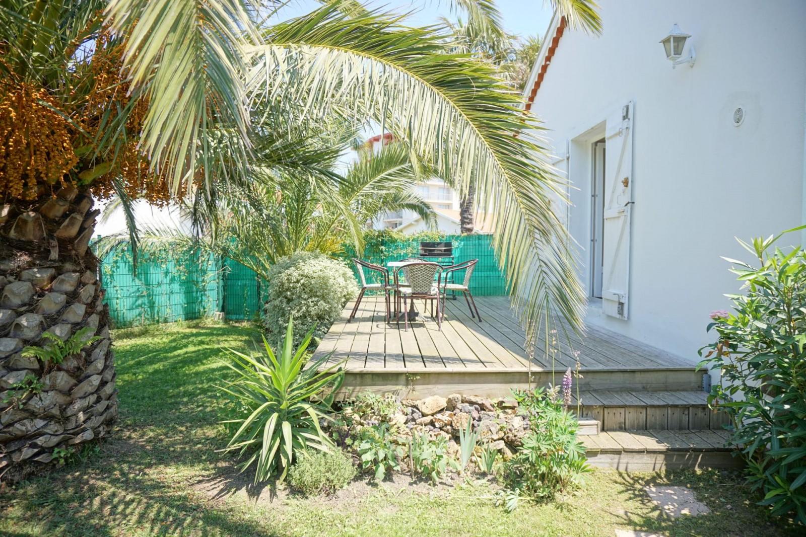 agence immobiliere specialiste location saisonniere olaizola vacances saint martin verdure en ville