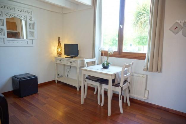 location-vacances-biarritz-kennedy-appartement-terrasse-jardin-proche-centre-ville-10