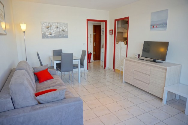 location-vacances-biarritz-quartier-saint-charles-centre-ville-parking-terrasse-01