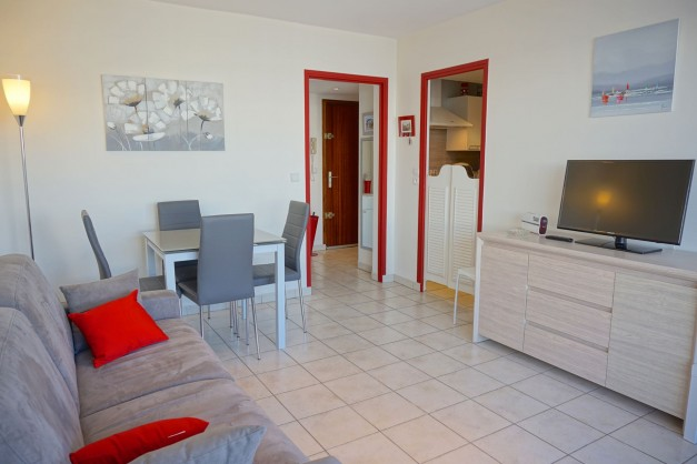 location-vacances-biarritz-quartier-saint-charles-centre-ville-parking-terrasse-02