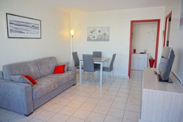 location-vacances-biarritz-quartier-saint-charles-centre-ville-parking-terrasse-03