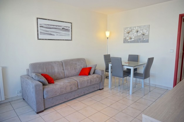 location-vacances-biarritz-quartier-saint-charles-centre-ville-parking-terrasse-04