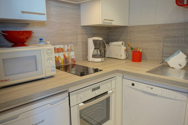 location-vacances-biarritz-quartier-saint-charles-centre-ville-parking-terrasse-09