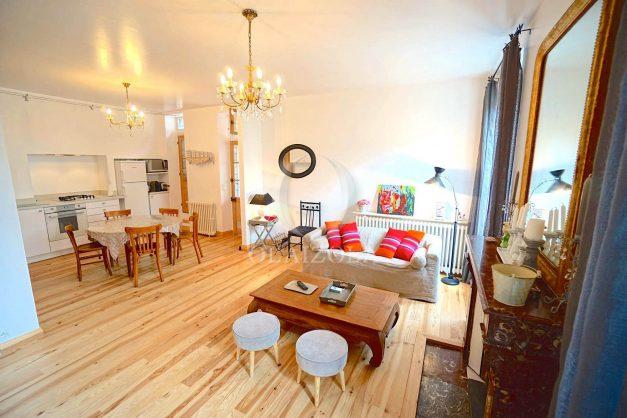 location-vacances-biarritz-appartement-centre-ville-jardin-terrasse-ensoleillee-wifi-001