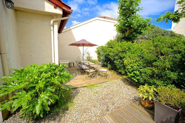 location-vacances-biarritz-appartement-centre-ville-jardin-terrasse-ensoleillee-wifi-018