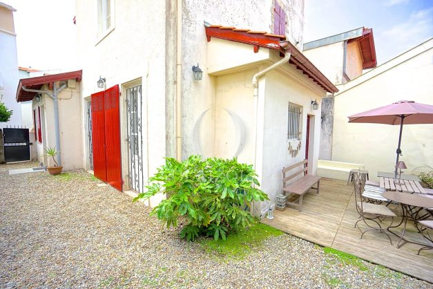 location-vacances-biarritz-appartement-centre-ville-jardin-terrasse-ensoleillee-wifi-019