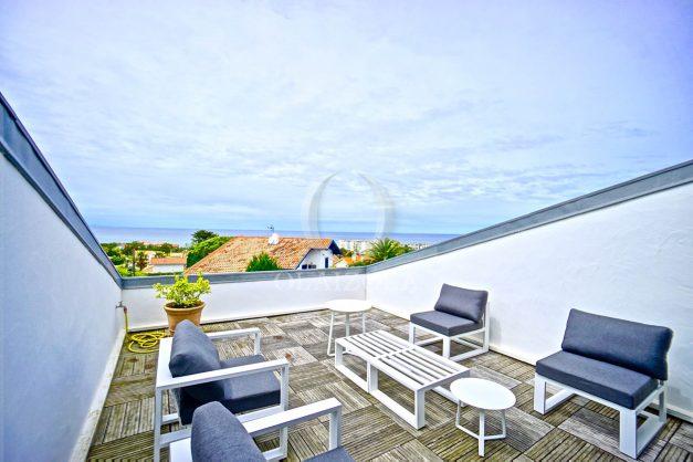 vue-mer-biarritz-location-vacances-maison-villa-plages-luxe-vue-mer-montagne-piscine-standing-unique-parking-prive-centre-ville-023