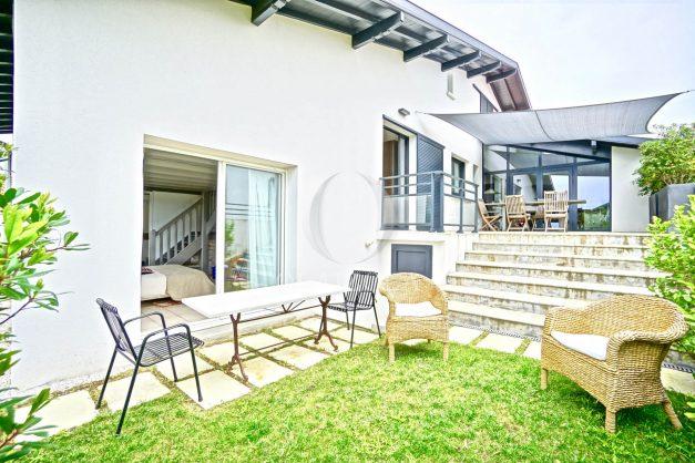 vue-mer-biarritz-location-vacances-maison-villa-plages-luxe-vue-mer-montagne-piscine-standing-unique-parking-prive-centre-ville-046
