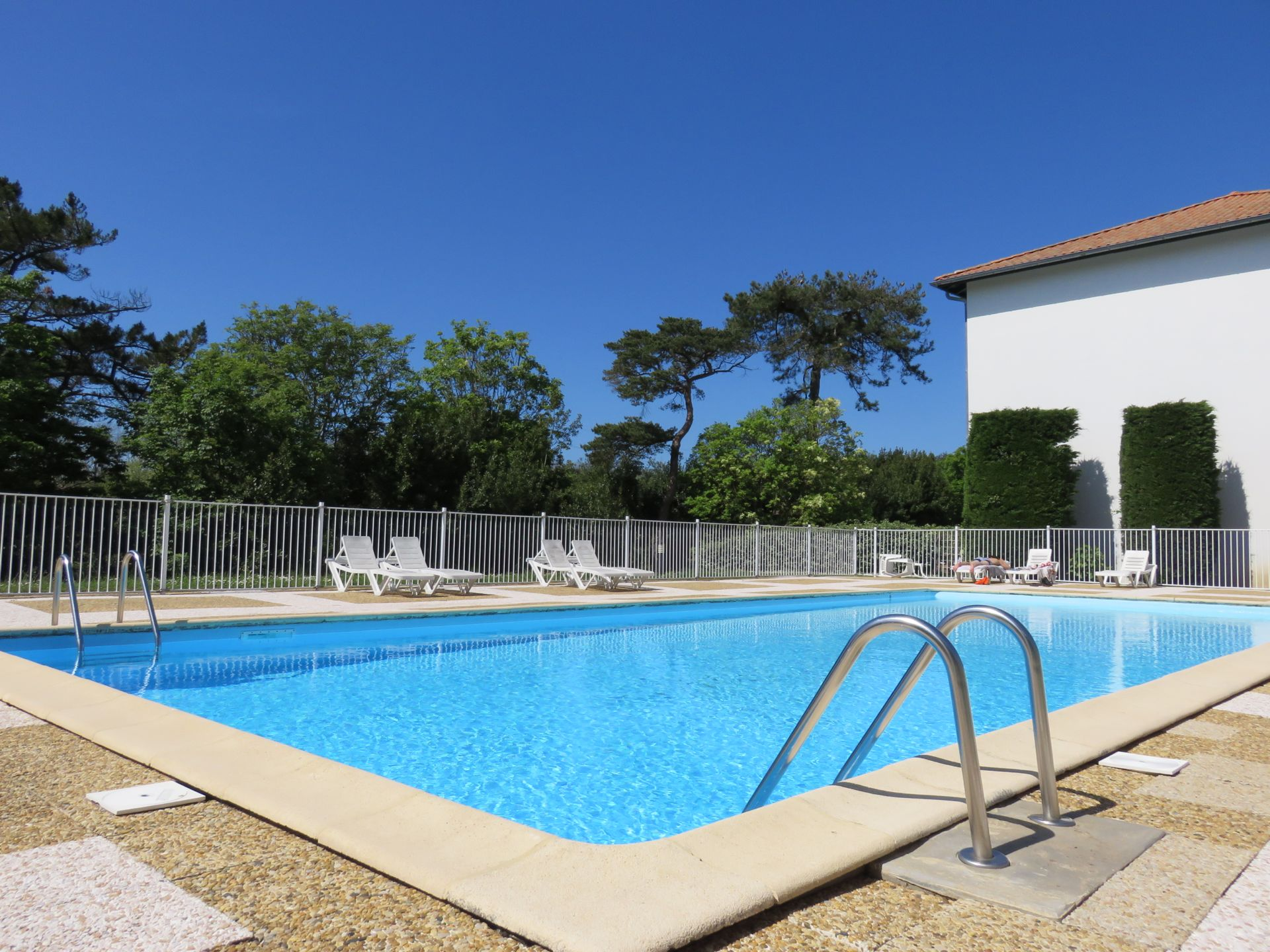 Location vacances promotion locations vacances location for Piscine jean bouin st quentin