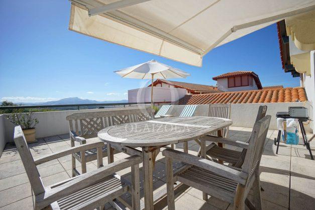 location-vacances-bidart-appartement-vue-montagne-grande-terrasse-proche-plage-parking-2-chambres-plein-sud-004