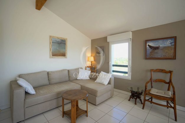 location-vacances-bidart-appartement-vue-montagne-grande-terrasse-proche-plage-parking-2-chambres-plein-sud-013