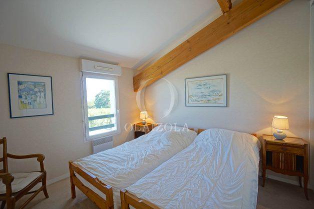 location-vacances-bidart-appartement-vue-montagne-grande-terrasse-proche-plage-parking-2-chambres-plein-sud-025