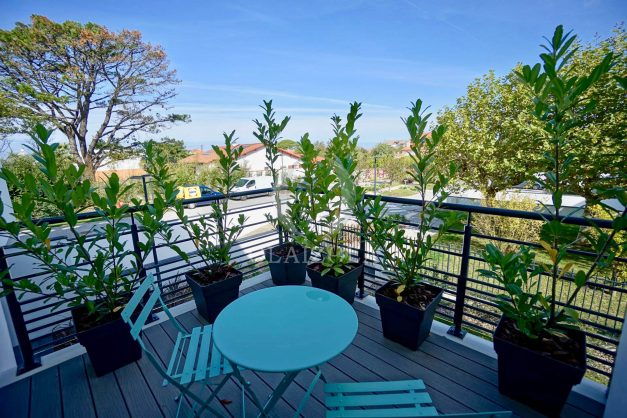 location-vacances-biarritz-appartement-anglet-residence-anadara-parking-2-chambres-2-terrasses-ensoleillee-moderne-011
