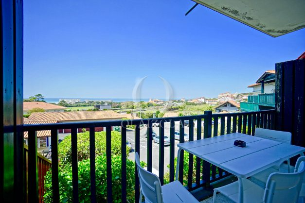 location-vacances-biarritz-appartement-residence-milady-plein-sud-centre-ville-parking-003