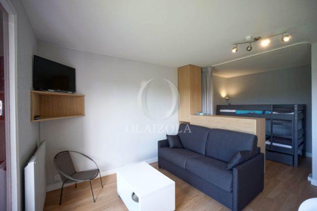 location-vacances-saint-jean-de-luz-quartier-urdazuri-studio-vue-nivelle-proche-commerce-012