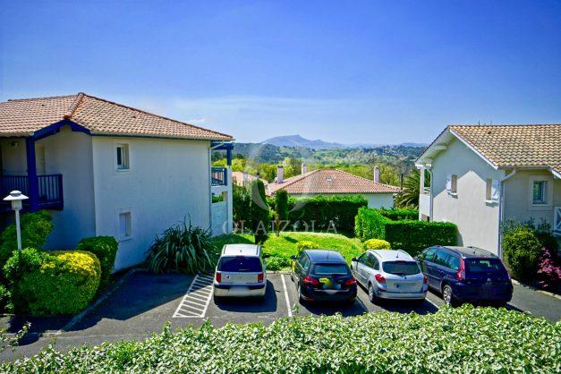 location-vacances-T2-1er-etage-terrasse-piscine-parking-Biarritz-ilbarritz-milady-plage-a-pied-paradis-bleu002
