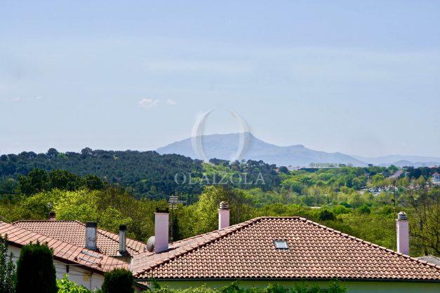 location-vacances-T2-1er-etage-terrasse-piscine-parking-Biarritz-ilbarritz-milady-plage-a-pied-paradis-bleu003