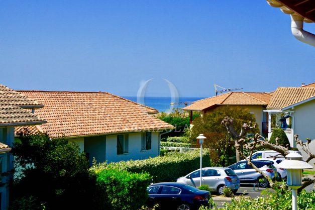 location-vacances-T2-1er-etage-terrasse-piscine-parking-Biarritz-ilbarritz-milady-plage-a-pied-paradis-bleu007