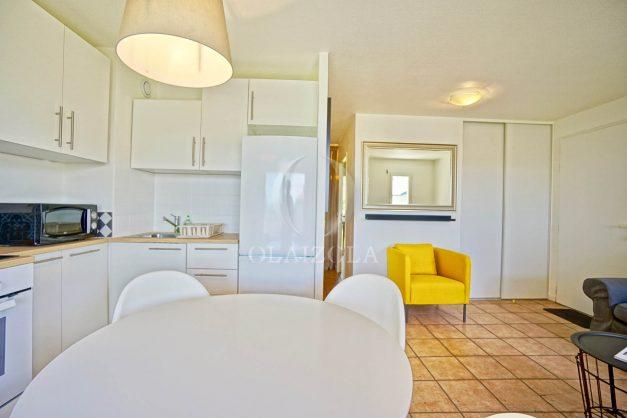location-vacances-T2-1er-etage-terrasse-piscine-parking-Biarritz-ilbarritz-milady-plage-a-pied-paradis-bleu013