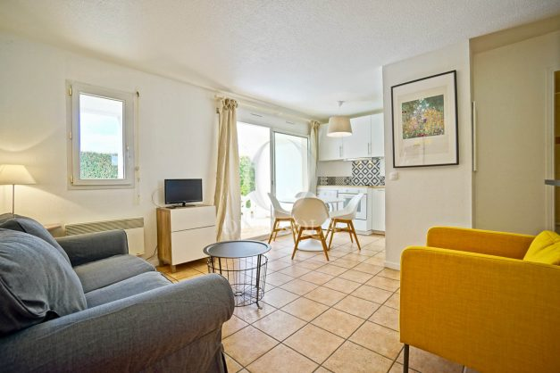 location-vacances-T2-terrasse-piscine-parking-Biarritz-plages-ilbarritz-milady-reix116-plein-sud-plage-a-pied-001
