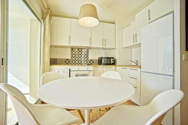 location-vacances-T2-terrasse-piscine-parking-Biarritz-plages-ilbarritz-milady-reix116-plein-sud-plage-a-pied-006