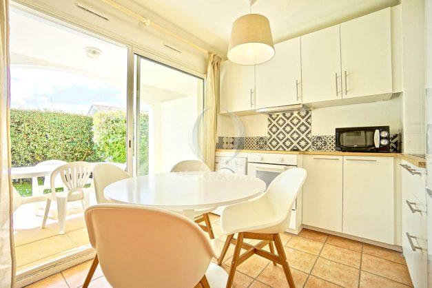 location-vacances-T2-terrasse-piscine-parking-Biarritz-plages-ilbarritz-milady-reix116-plein-sud-plage-a-pied-007