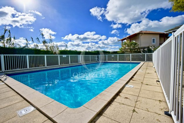 location-vacances-T2-terrasse-piscine-parking-Biarritz-plages-ilbarritz-milady-reix116-plein-sud-plage-a-pied-023