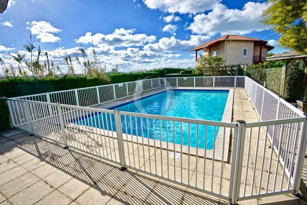 location-vacances-T2-terrasse-piscine-parking-Biarritz-plages-ilbarritz-milady-reix116-plein-sud-plage-a-pied-025