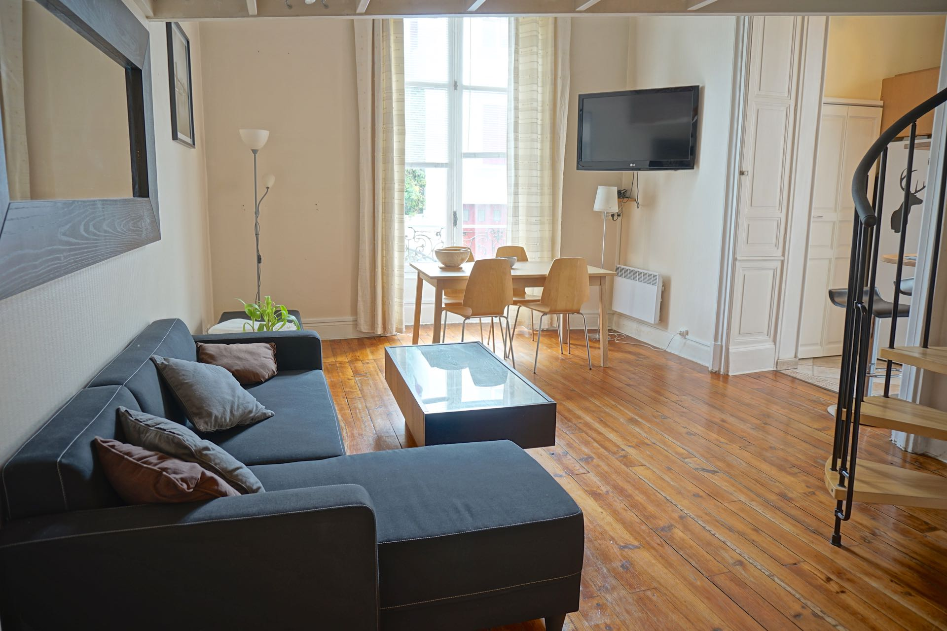 Logement vacances biarritz location avec cuisine quip e for Abritel biarritz studio