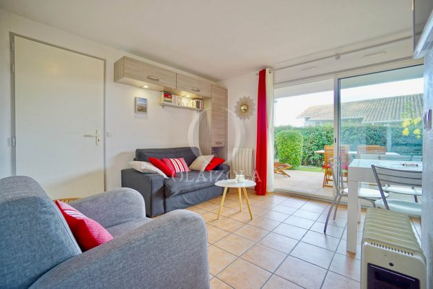 location-vacances-biarritz-appartement-colline-bleue-piscine-parking-carmen-terrasse-plage-a-pied-milady-ilbarritz-001