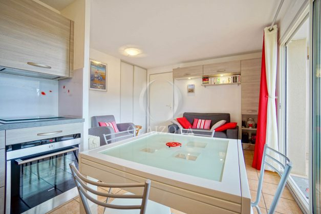 location-vacances-biarritz-appartement-colline-bleue-piscine-parking-carmen-terrasse-plage-a-pied-milady-ilbarritz-009