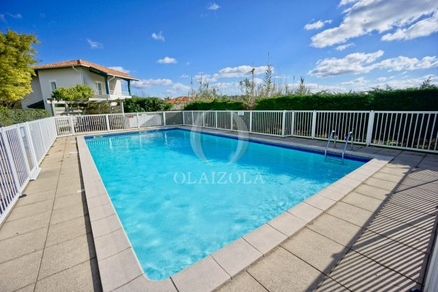 location-vacances-biarritz-appartement-colline-bleue-piscine-parking-carmen-terrasse-plage-a-pied-milady-ilbarritz-016