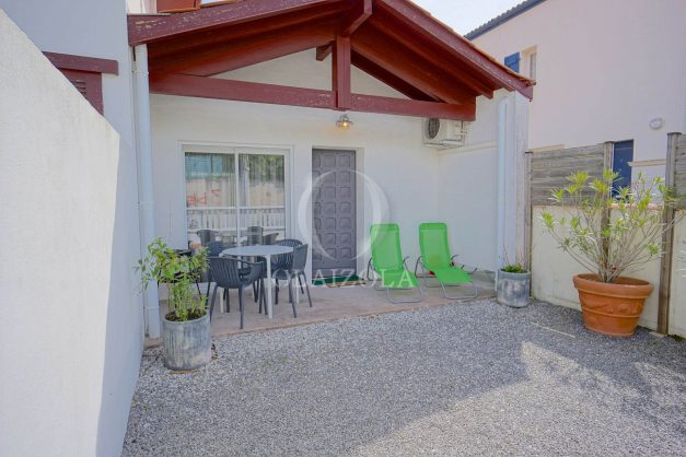 location-vacances-biarritz-beaurivage-terrasse-parking-maison-t2-côte-des-basques-plage-a-pied-001